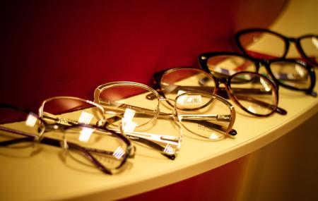 Для тех, кто собирается приобрести очки и оправы, мы предлагаем руководствоваться рядом несложных, но весьма полезных советов, которые, мы надеемся, помогут избежать многих ситуаций, когда купленные очки не смогут оправдать возложенных на них надежд. Перед приобретением медицинских очков необходимо обследоваться у врача-офтальмолога; Если в результате посещения офтальмолога выяснилось, что вашим глазам необходимы линзы низких рефракций, […]
