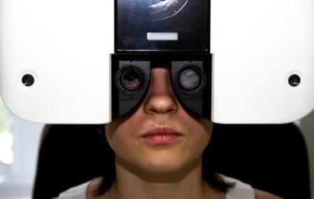 За период деятельности компании клиники коррекции зрения «Лилия» на рынке оптических товаров стало ясно, что клиенты остро нуждаются в квалифицированных услугах оптиков-профессионалов. Потому что очки не только модный аксессуар, но и высокотехнологичное изделие медицинской оптики. К сожалению, до сих пор многие люди, нуждающиеся в коррекции зрения, посещают офтальмолога только в случае крайней необходимости: при травмах […]